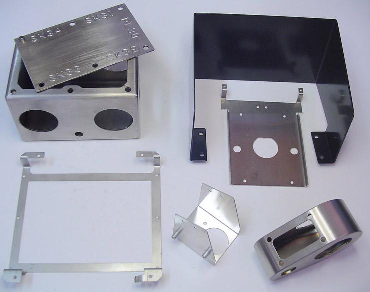 Chi tiết sản phẩm cắt CNC và chấn dập cơ khí chính xác