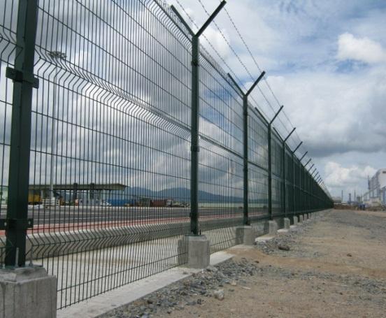 Sản phẩm hàng rào được lắp đặt tại công trường